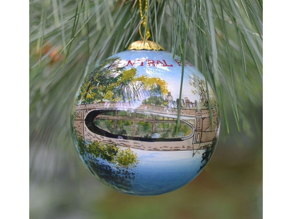 Tree ornament, in disk shape, of Bow Bridge