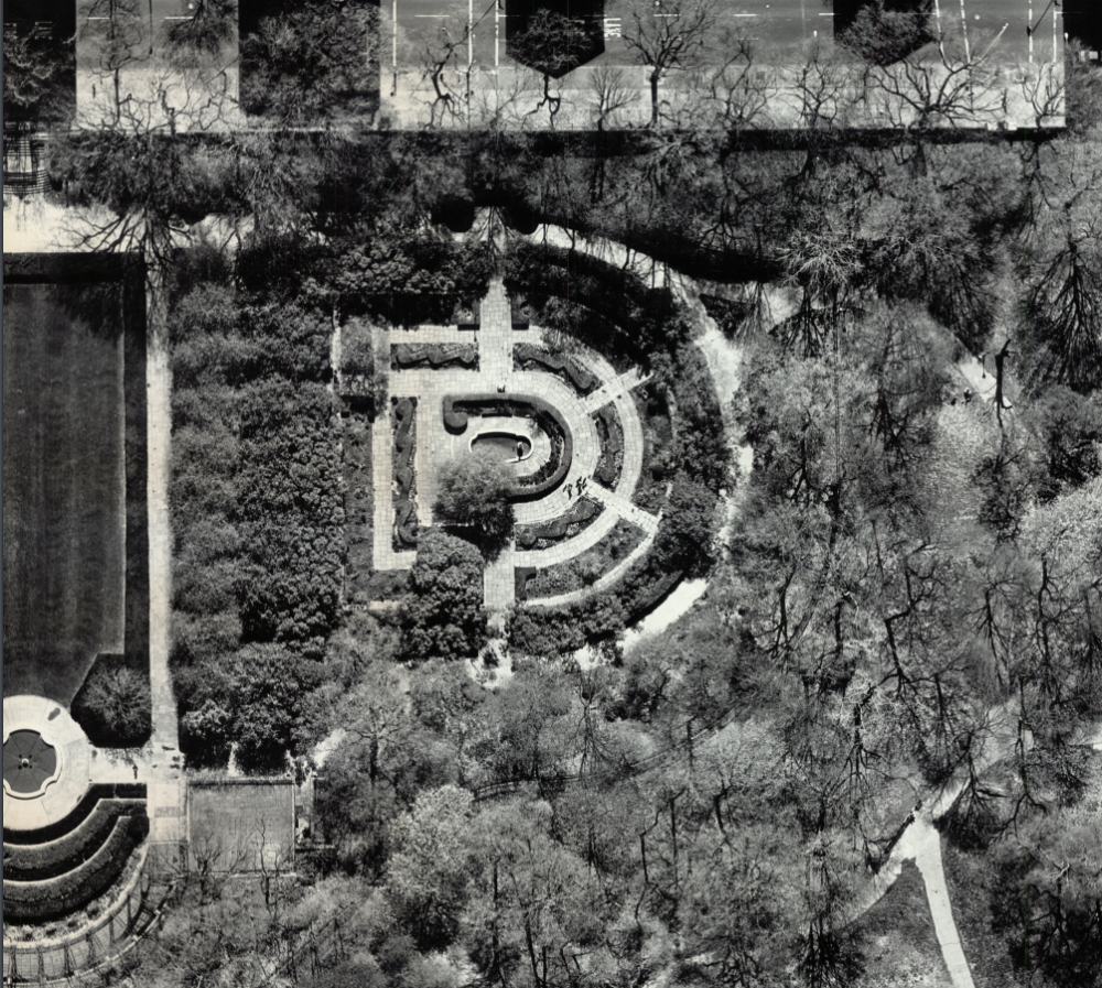 A black-and-white aerial view of the English-style garden, showing the geometric, semi-circulare paths.